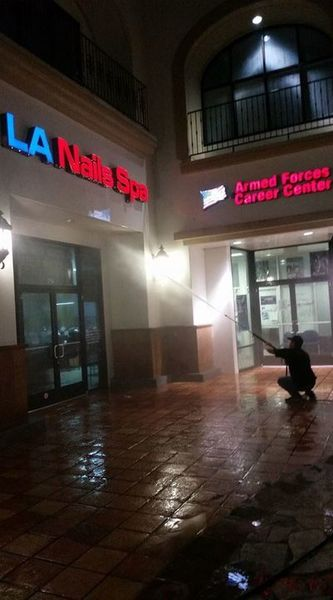 Commercial Pressure Washing in Los Angeles, CA (1)