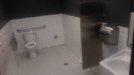 Commercial Bathroom Cleaning in Lakewood, CA (1)