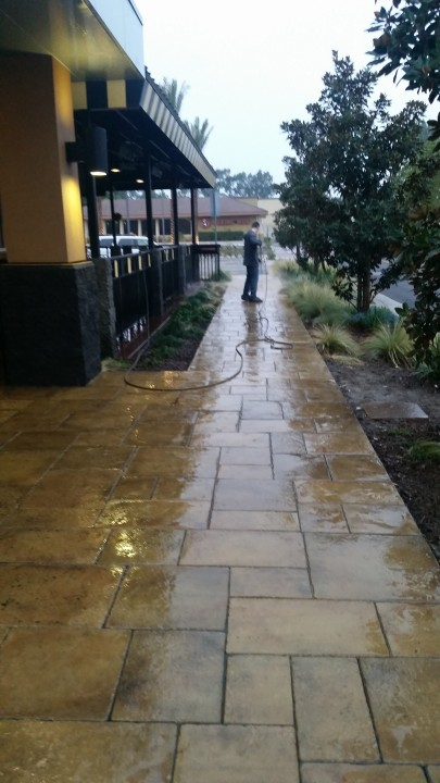 Pressure Washing and Window Cleaning Cerritos, CA