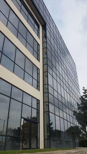 Commercial Window Cleaning in Hollywood, CA (1)